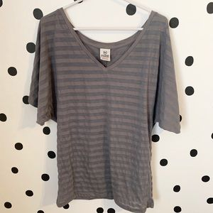 🔥30%OFF🔥PINK Victoria secret grey stripe top xs